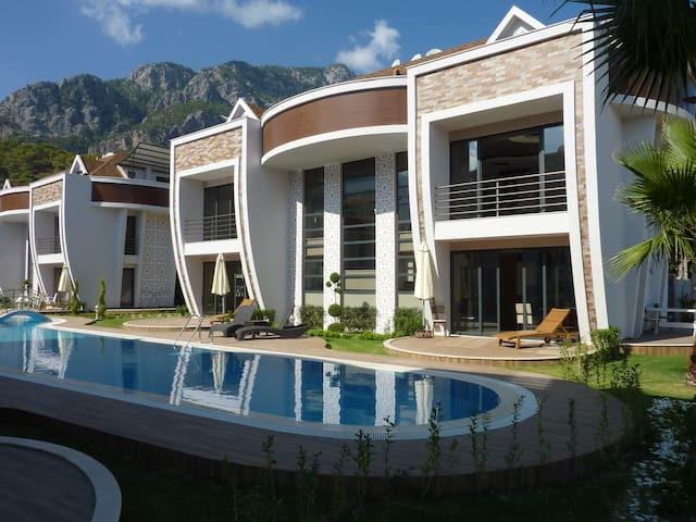 Luxury 1 bedroom aparts in a quiet and green zone - Kemer - Apartemen
