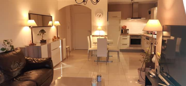 Appartement 95m² / résidence/ Piscine/ Parking