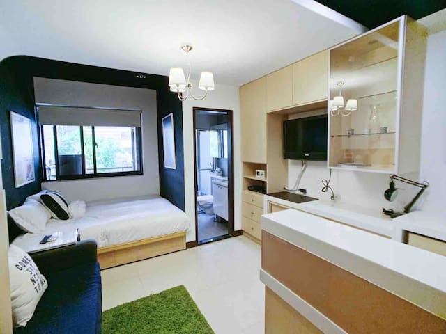 3Min to MRT-Sunny design condo in Taipei Central