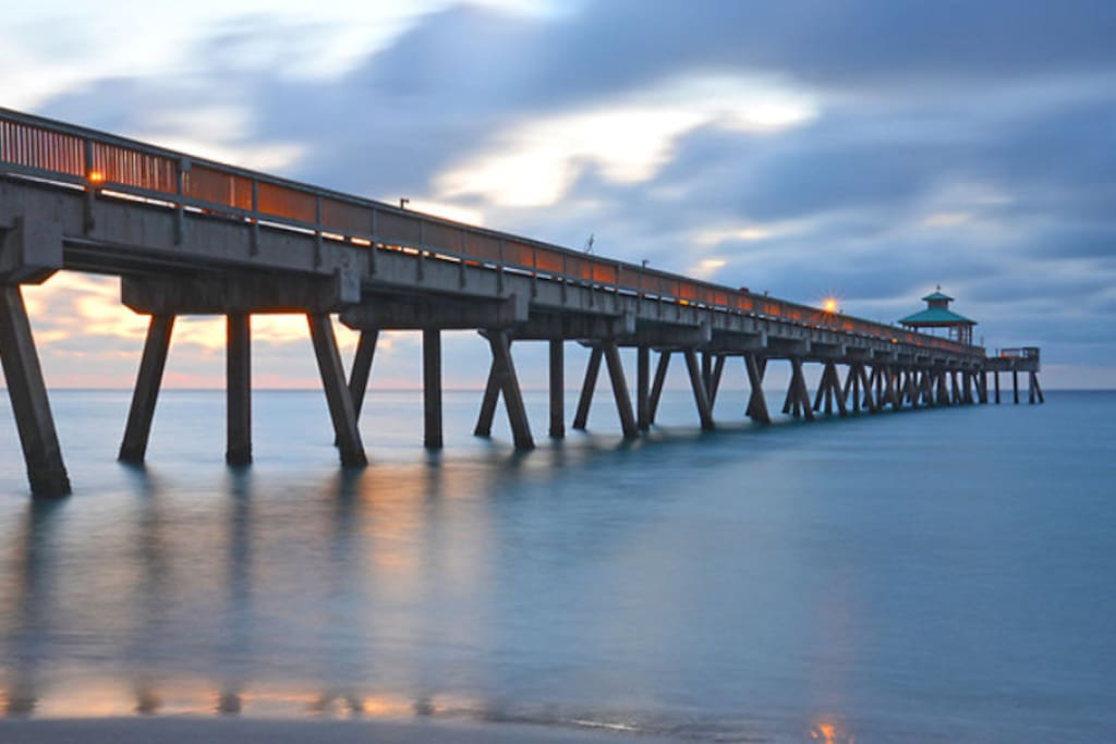 Beautiful Deerfield Beach fishing pier enjoy the sun sets or just simply fish