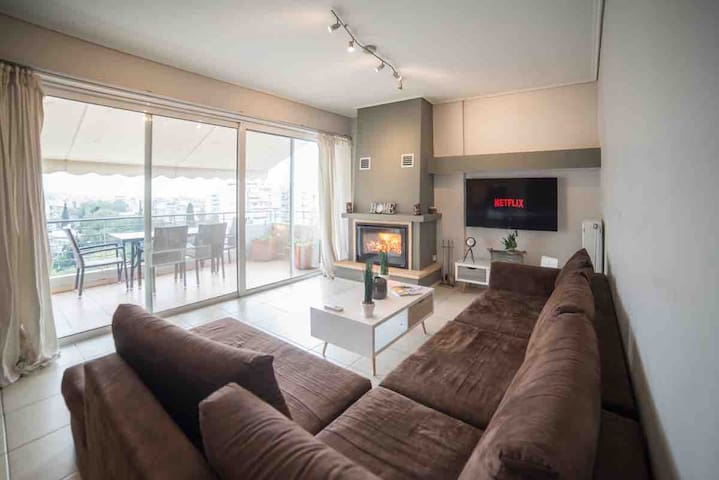 Family penthouse with Acropolis view & parking