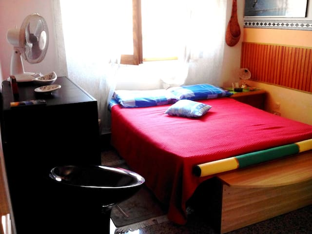Camera doppia con cucina, Wi-Fi, balcone. - Reggio Calabria