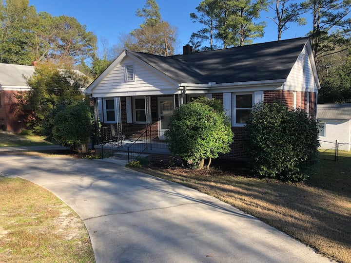 Cozy House | Quaint Street | In-town Columbia SC