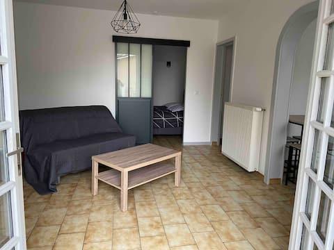 Appartement chaleureux au cœur d un village classé