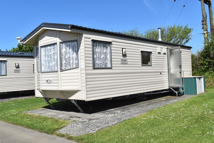 Static Caravan. 2 Bedroom, Sleeps up to 6.