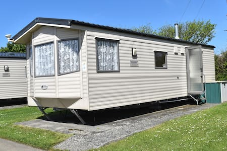 Static Caravan. 2 Bedroom, Sleeps up to 6.