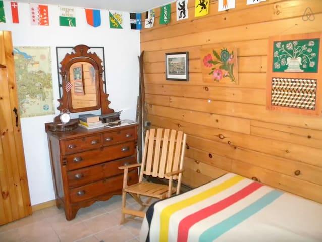 Log Cabin; Summer family fun w/Pond - Tunkhannock - Mökki