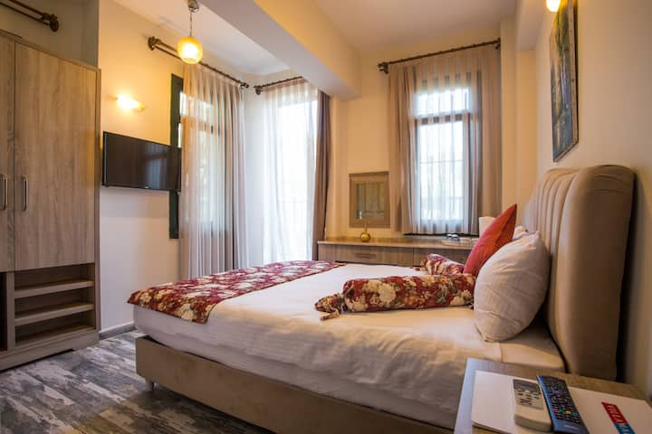Classical Double Room w/ Balcony&Mountain View 2
