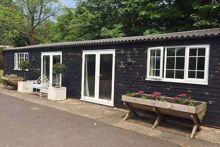 The Party Barn - New Alresford - Bungalow