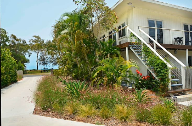 545 - Apt 4 Sea Breeze and  Water View Apartment