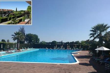 Apartment in Cola at Lazise with garden, pool and air. Pets Allowed