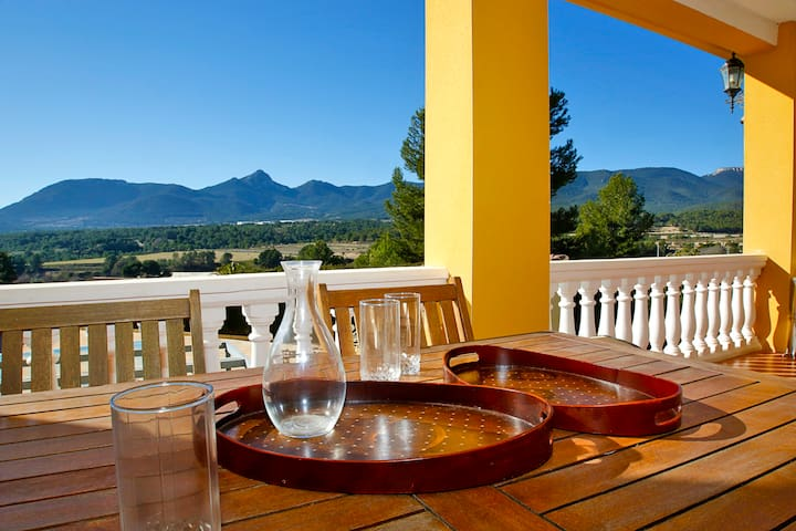 Tibi Mountains views and relax