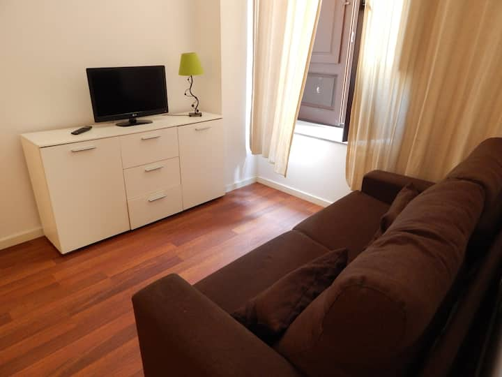 Apartment Old Town Girona 3 rooms with parking in option