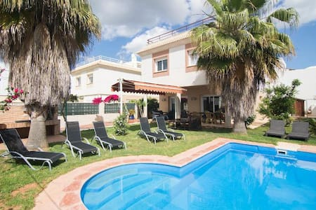 BEAUTIFUL HOUSE IN BIZA WITH PRIVATE POOL - Cas Corp - Villa