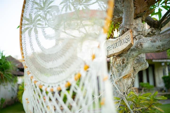Green CoCo House no.6  v tiché zahradě s houpačkou