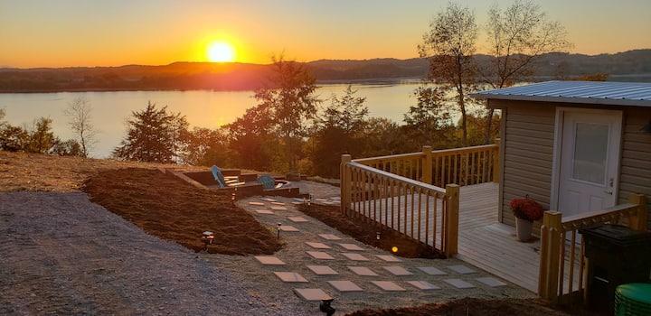 Lake View Cottage on Douglas Lake/ lake access