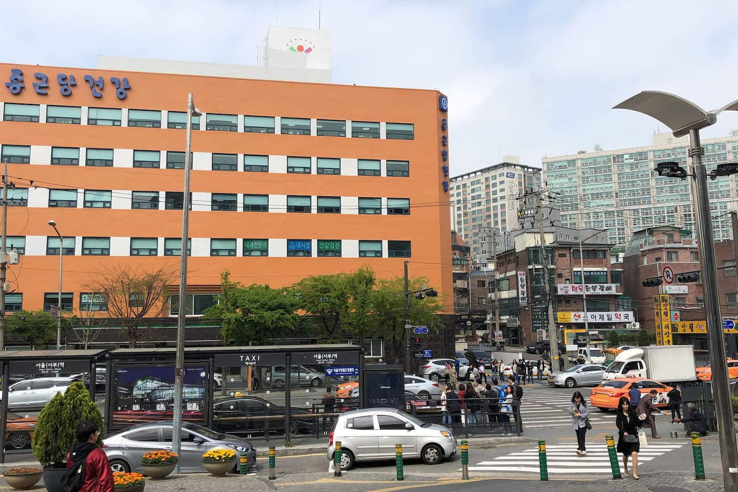 1 MINUTE!! One minute by walk from #15 gate of Seoul station.