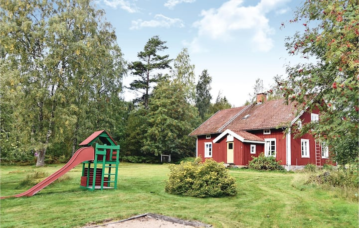 Awesome home in Kristinehamn with 4 Bedrooms