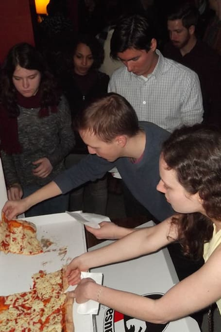 English Comedy Berlin + Pizza + Shots