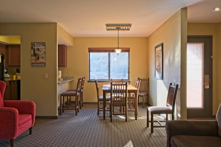 Sprightly Christmas Mountain Village 2 Bedroom Villas For Rent In Wisonsin Dells Wisconsin United States Christmas mountain in wisconsin dells hautnah erleben mit expedia.at. sprightly christmas mountain village 2