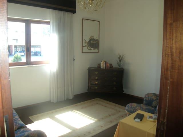 Primeiro piso de casa de campo - Monte Redondo