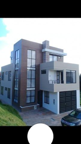 Habitación Lirio Real
