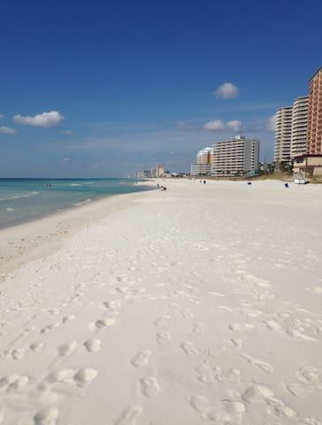 Sleeps 6-Pet Friendly-Walk to Beach - Panama City - Apartment