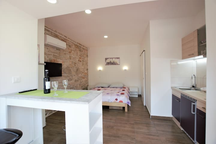 Pula, Studio Apartment