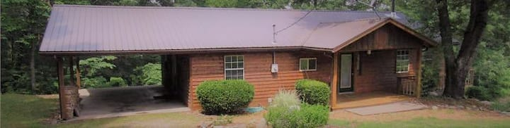 Otter Lodge - Hot Tub Cabin for 2-8 People