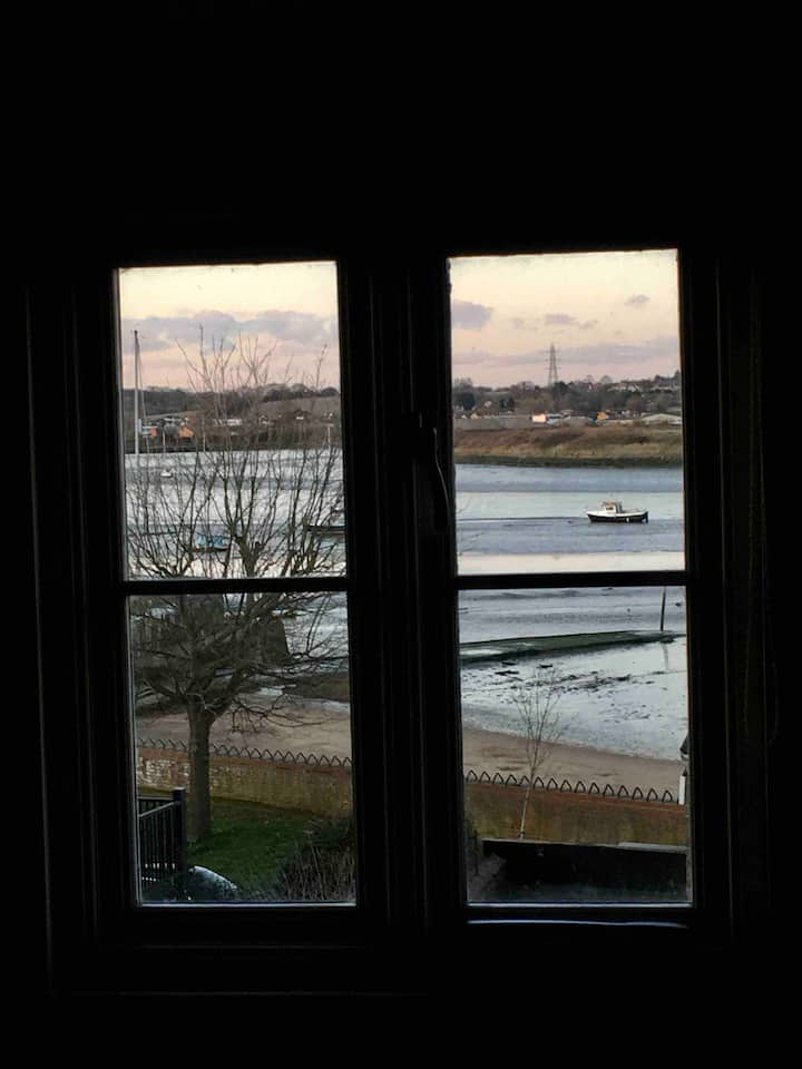 Room with River Stour view in  17th century home