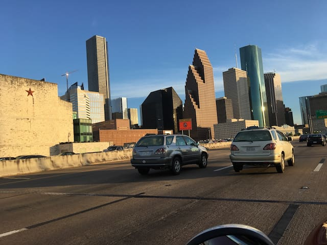 In the heart of the medical center! - Houston - Apartment