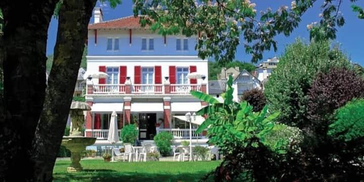 Appartement neuf independant dans Villa Victoria