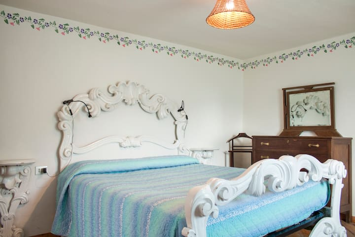 Stanza del Re - B&B Rocca di Bajedo - Pasturo - Bed & Breakfast