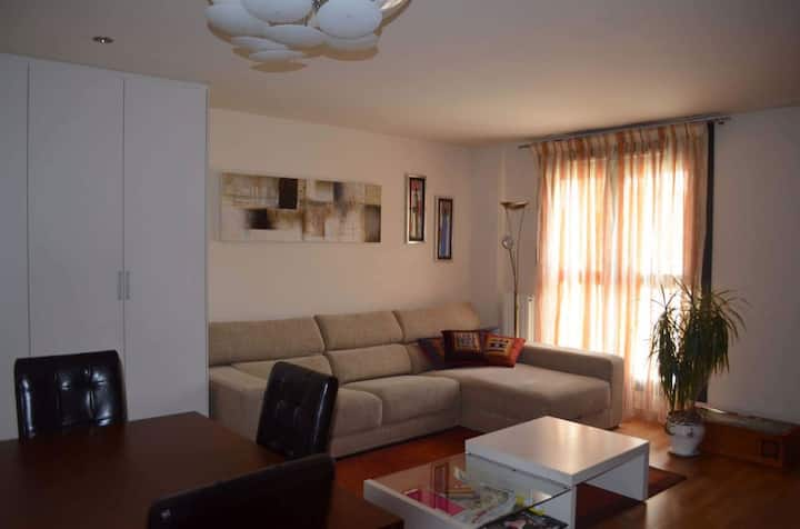 New and bright apartment in Pamplona