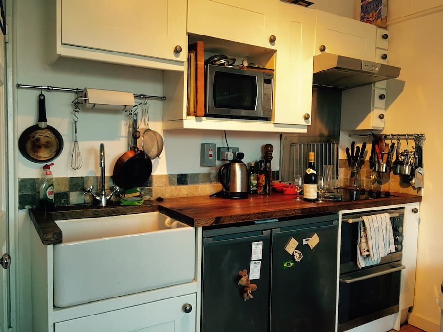 Fully equipped kitchen with beautiful wooden surfaces