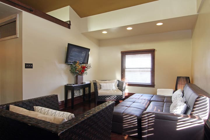 9th & 9th Luxury Suite! Best Location in SLC!