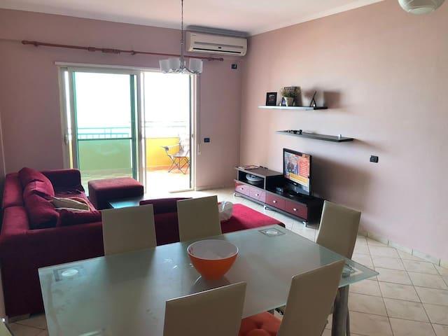 Amazing 2 bedroom sea view apartment