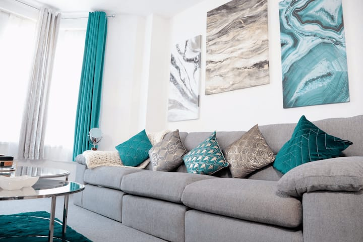 🏠DYZYN Living ⭐️Taff Towers⭐️ 2 Bed Serviced Apartment🏠