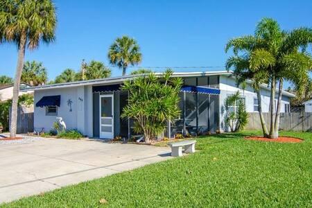 Anna's Beautiful Beach House in St Pete Beach! - Saint Pete Beach
