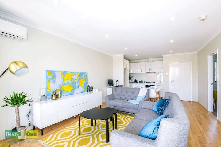 New spacious apartment on Kooyong - Rivervale - Daire