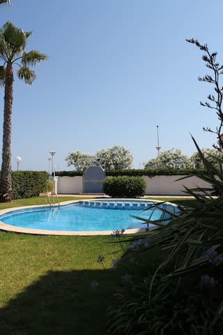 2006. Apartamento en 1ª linea playa Piles. WADIBIT - Piles - Appartement