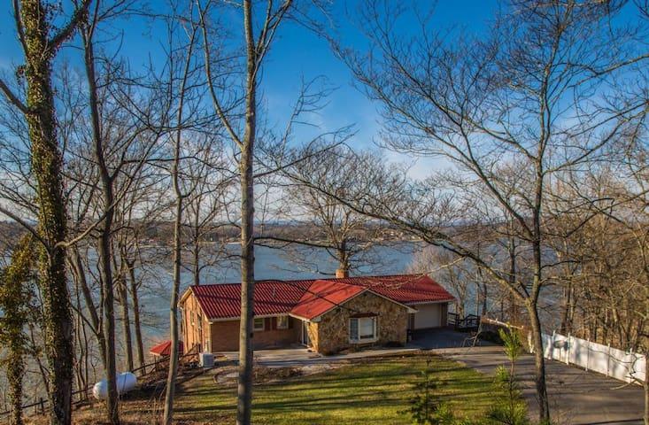 Abigail's Lake View