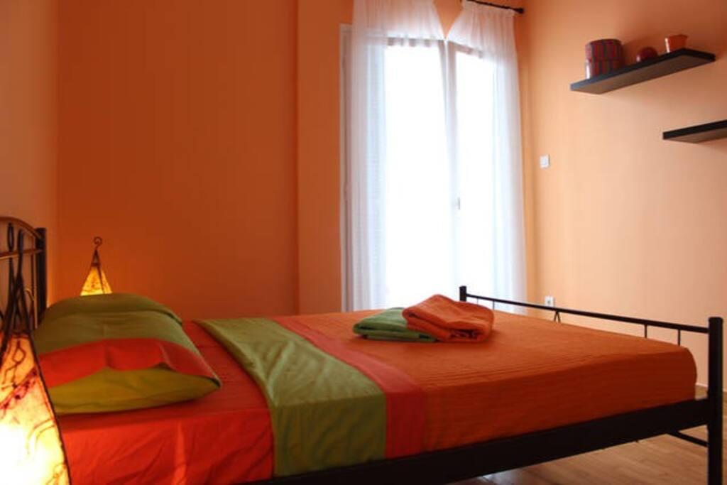 orange room,