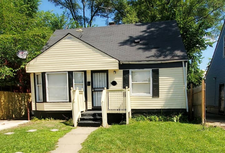 Great for long time stay: 3 bedroom, 3 full bath