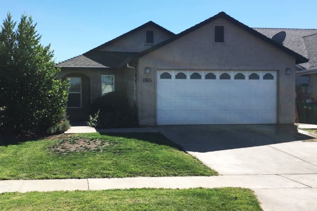 Quiet Family Home - close to schools, gas stations, grocery stores, parks and more.
