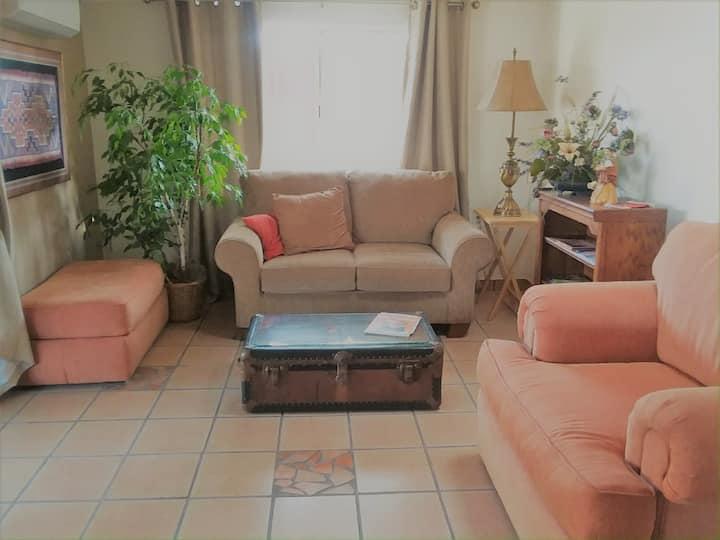 Casita Ranchito: Banner Hospital/U of A area: