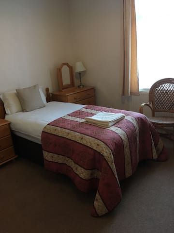 Comfortable twin bedded room 3