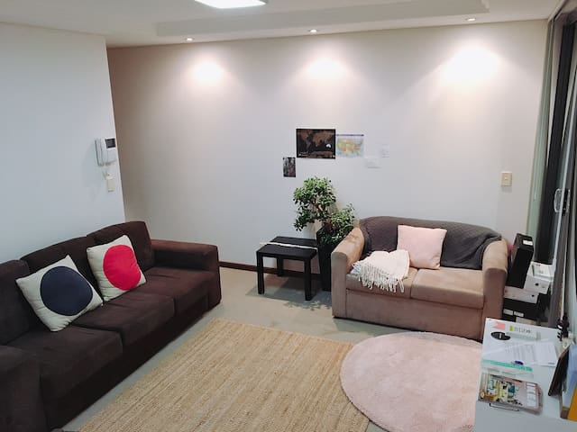 Female Sharing Room 2 single beds -1 bed available