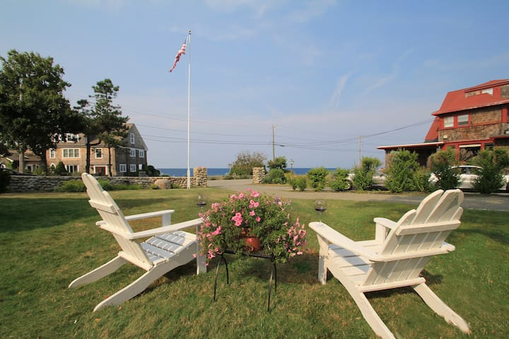 Lover's Cove exudes Classic Seaside Charm - Rockport