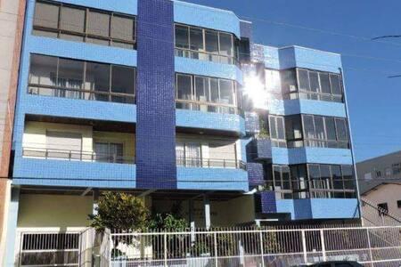 Apartamento excelente localização 1 quadra do Mar - Tramandaí - Apartamento